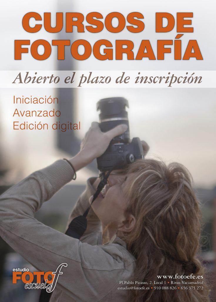 Cartel anunciador de los cursos de fotografía